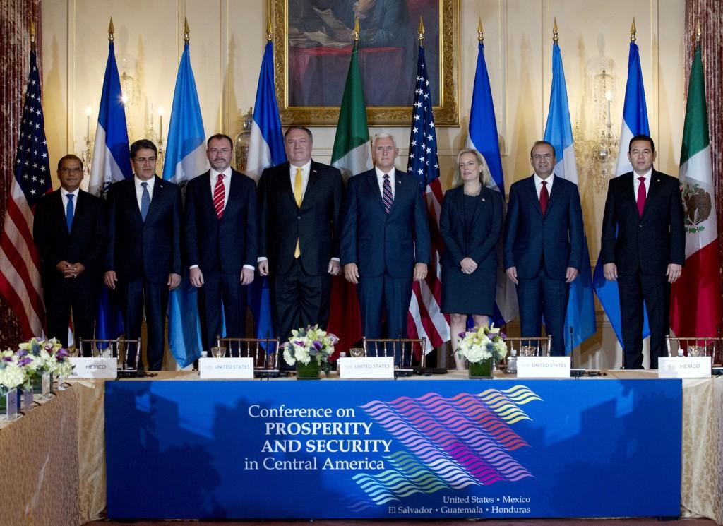 From left; Vice President Oscar Ortiz of El Salvador, Hondura's President Juan Orlando Hernandez, Mexico's Foreign Secretary Luis Videgaray, Secretary
