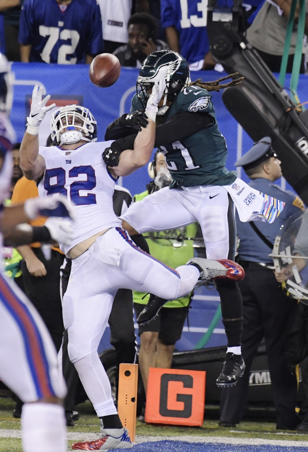 Philadelphia Eagles cornerback Ronald Darby (21) defends against New York Giants tight end Scott Simonson (82) during the first half of an NFL footbal