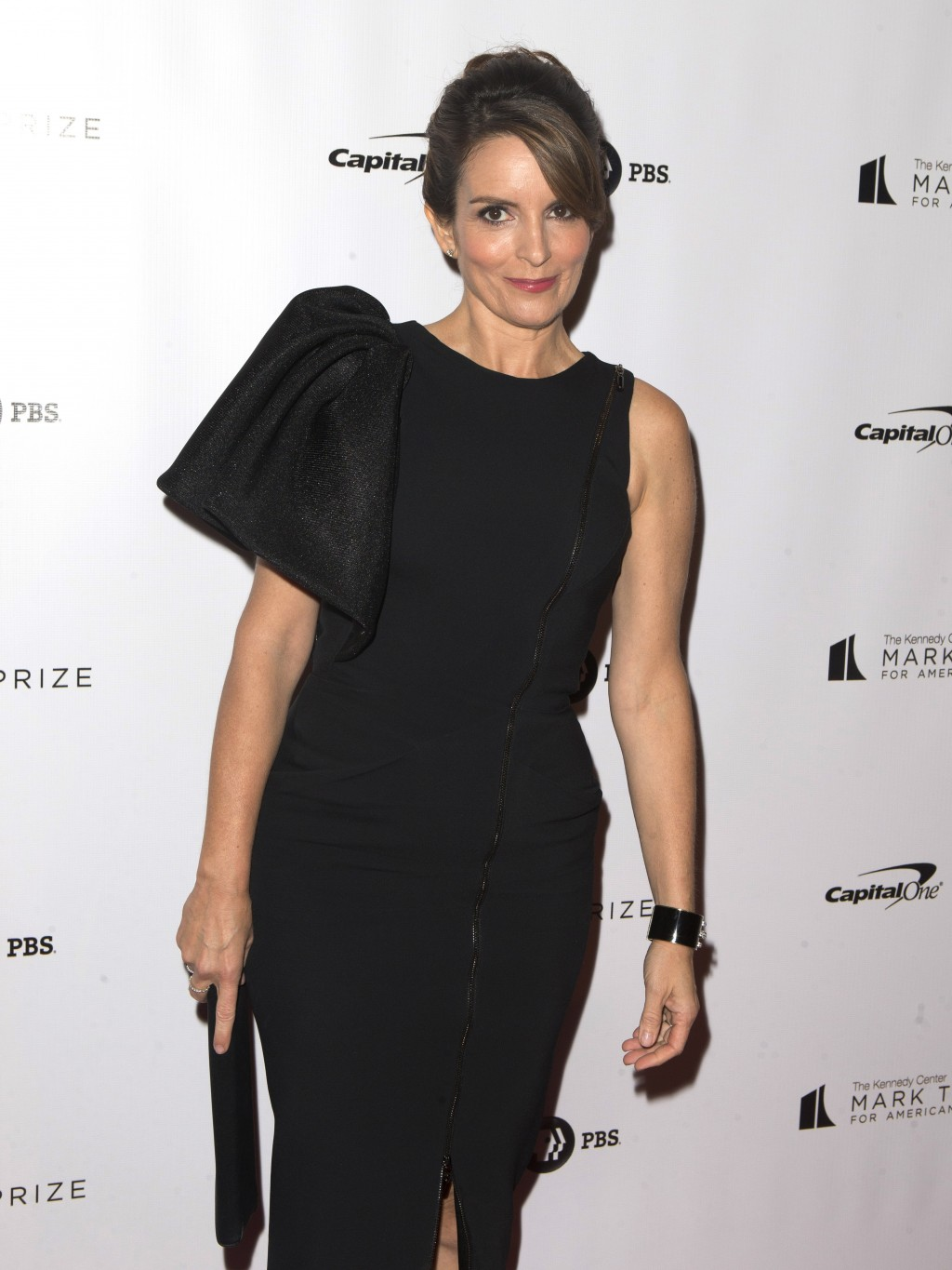 Tina Fey arrives at the Kennedy Center for the Performing Arts for the 21st Annual Mark Twain Prize for American Humor presented to Julia Louis-Dreyfu