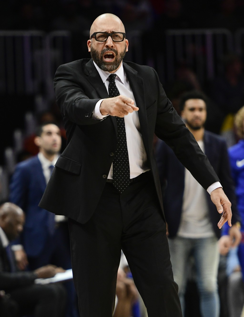 New York Knicks coach David Fizdale gestures during the first half of the team's NBA basketball game against the Atlanta Hawks, Wednesday, Nov. 7, 201