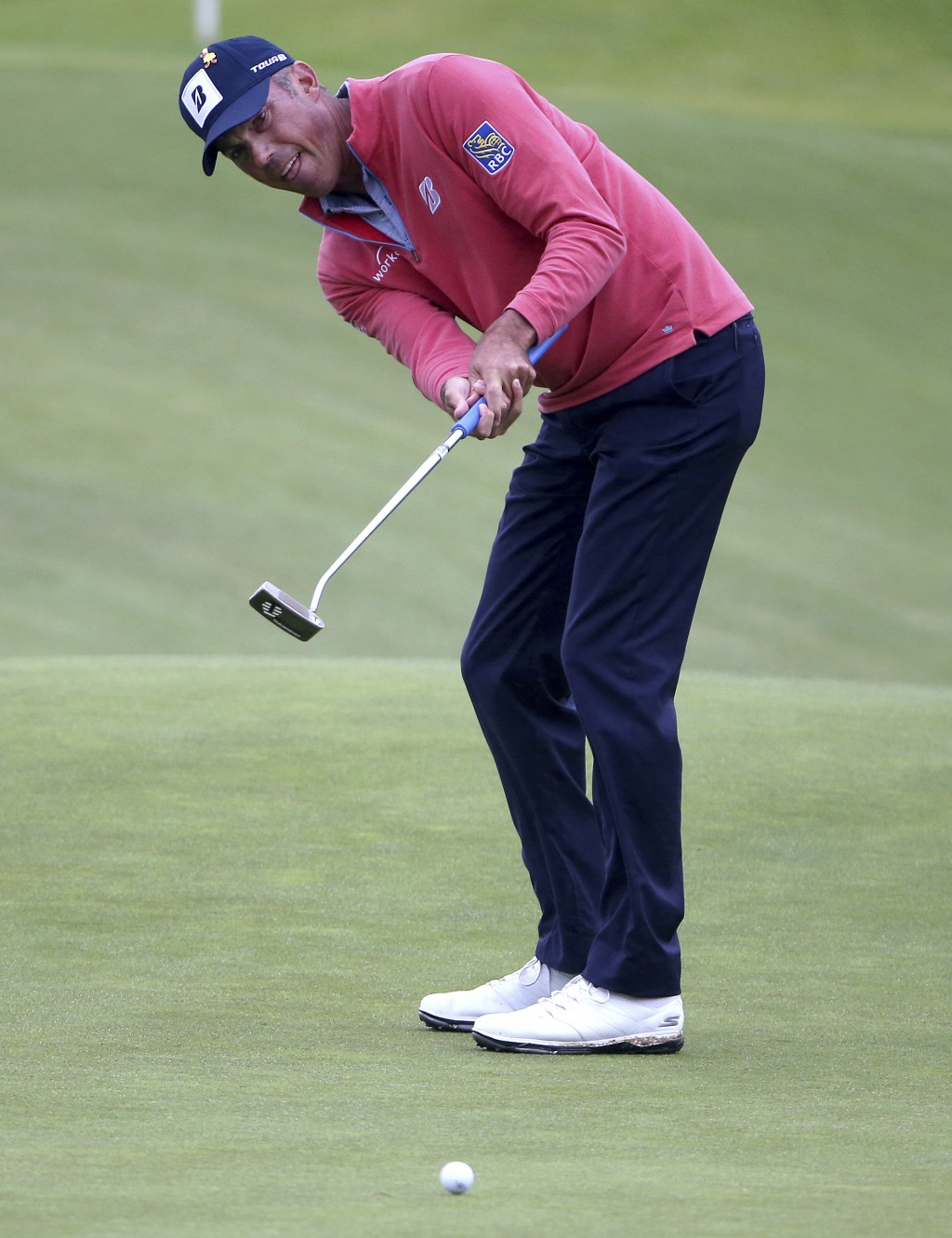 Matt Kuchar of the U.S.A. putts on the 9th green during the Australian Open Golf tournament in Sydney, Thursday, Nov. 15, 2018. (AP Photo/Rick Rycroft