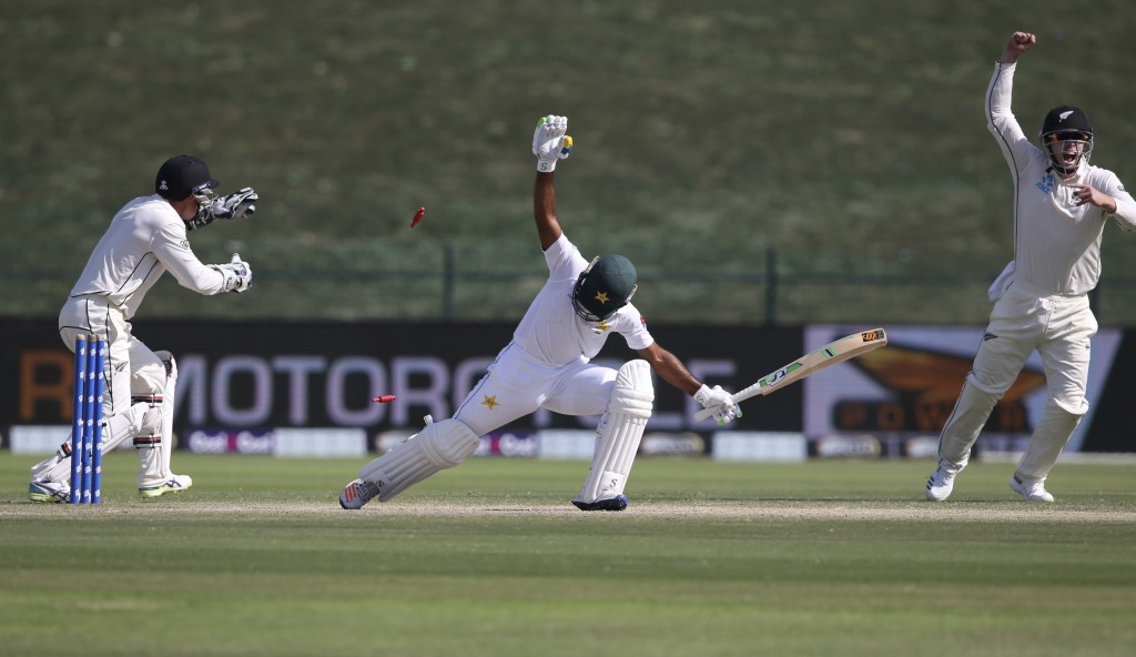 New Zealand's players appeal the dismissal of Pakistan's Asad Shafiq in their test match in Abu Dhabi, United Arab Emirates, Monday, Nov. 19, 2018. (A...