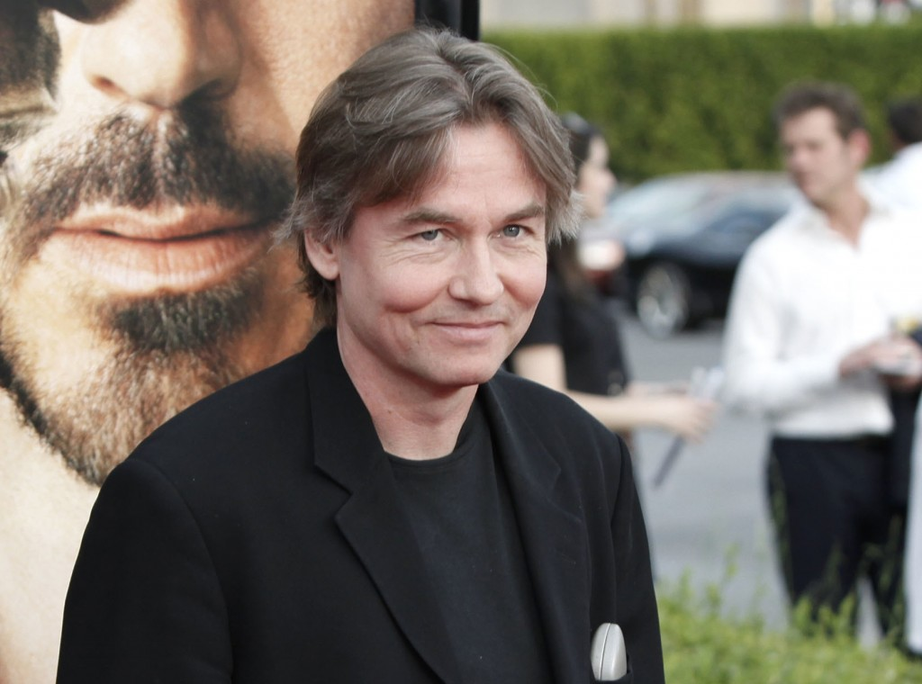 "FILE - In this April 20, 2009 file photo, Esa-Pekka Salonen arrives at the premiere of ""The Soloist"" in Los Angeles. Salonen will become music directo"