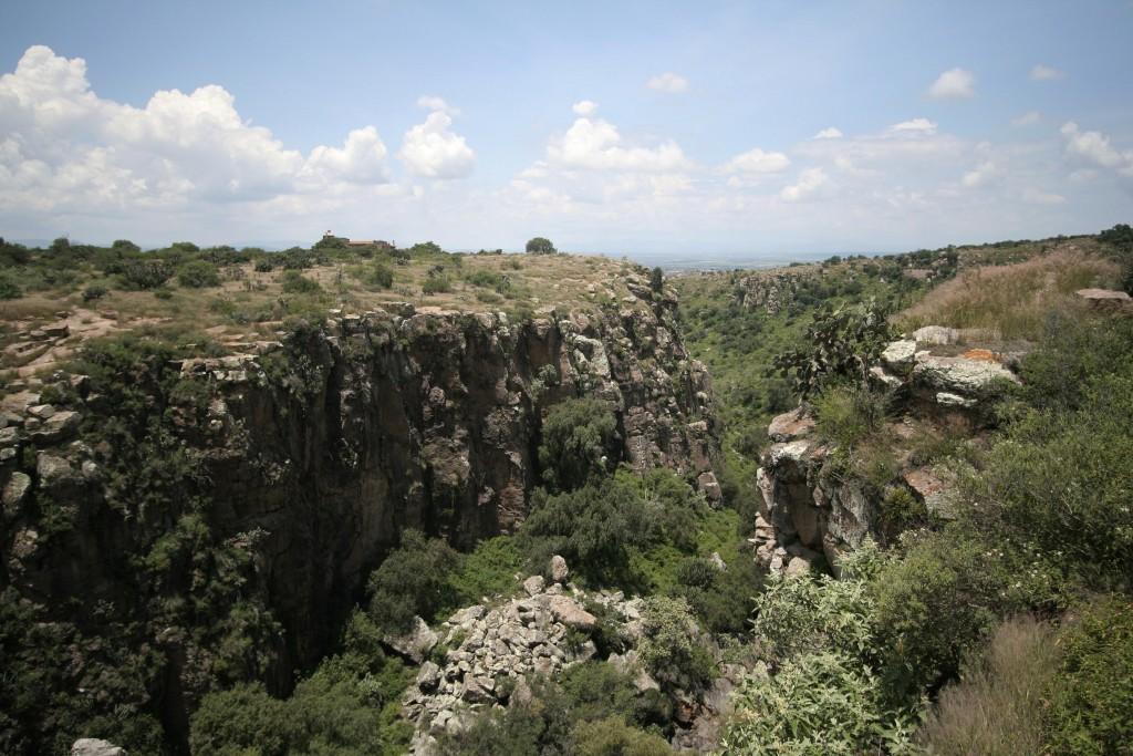 This 2007 photo shows iew of El Charco's typical shrubland in El Charco del Ingenio in San Miguel de Allende, Mexico. (El Charco del Ingenio AC via AP...