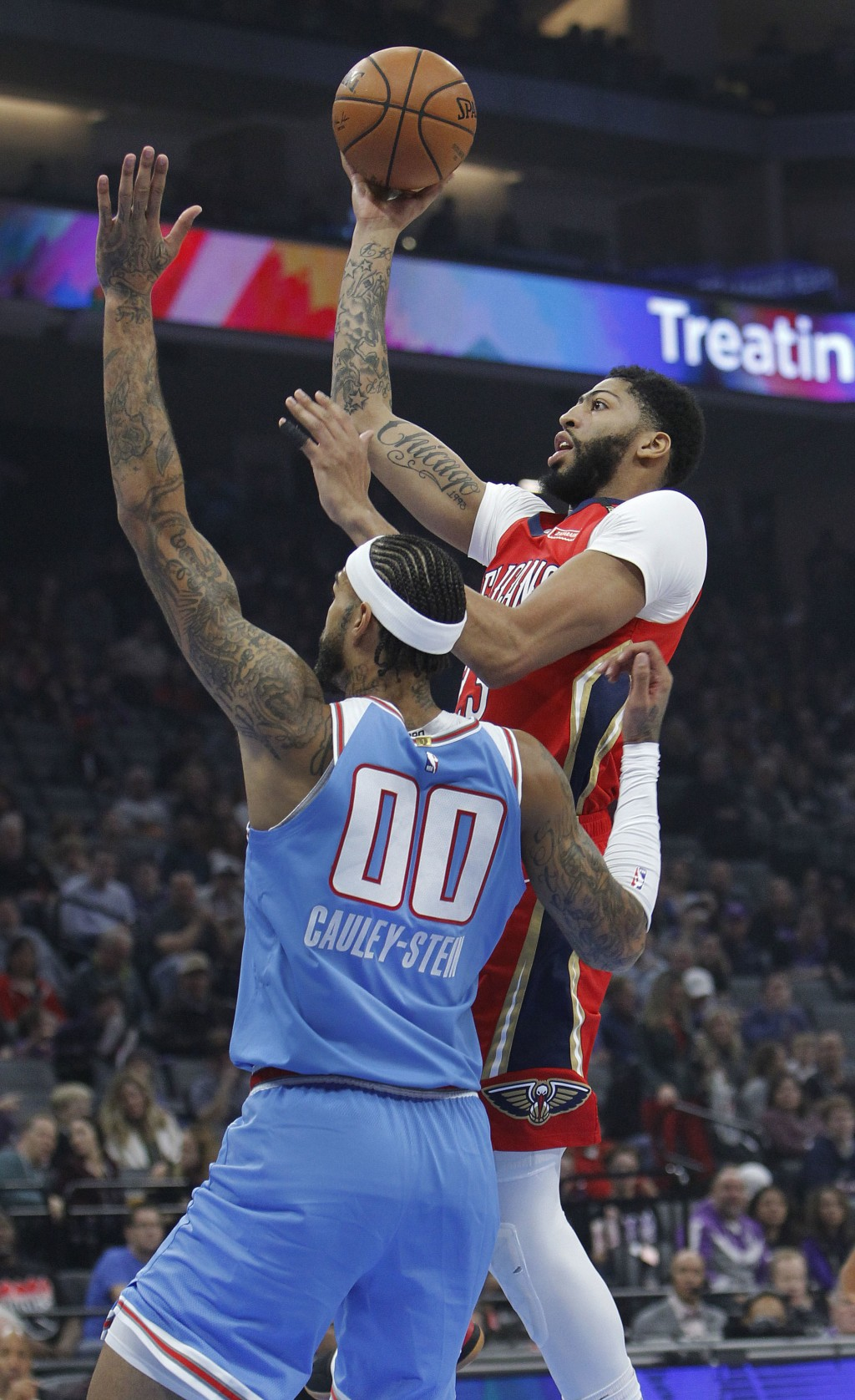 New Orleans Pelicans forward Anthony Davis (23) drives to the basket against Sacramento Kings center Willie Cauley-Stein (00) during the first half of