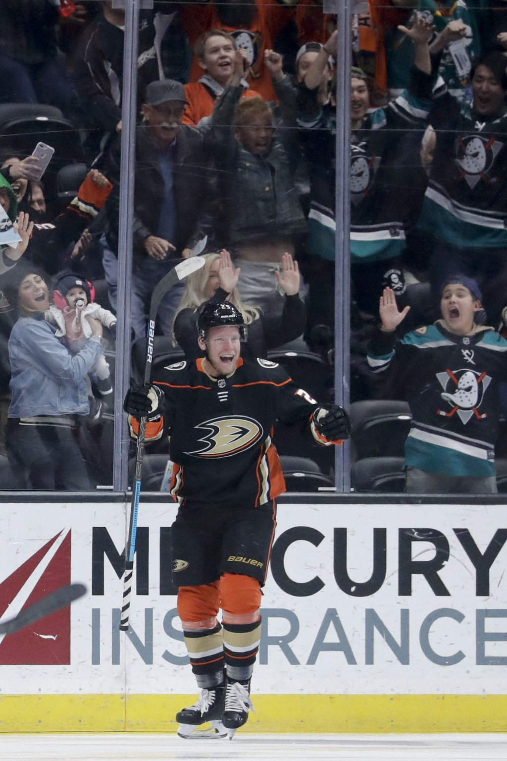 Anaheim Ducks right wing Ondrej Kase celebrates after scoring during the first period of an NHL hockey game against the Arizona Coyotes in Anaheim, Ca...