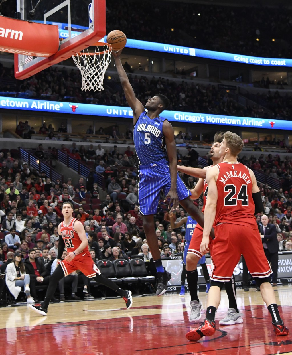 Vucevic Leads Magic To 112-84 Rout Of Bulls