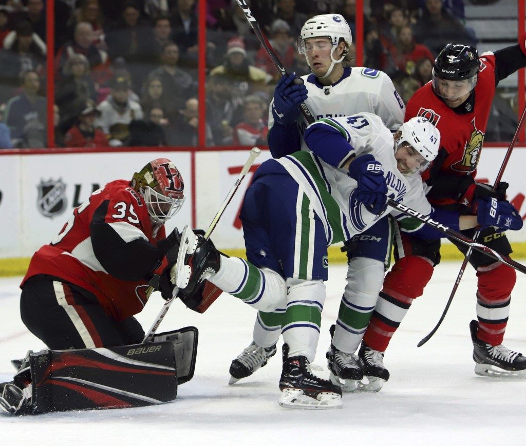 Pettersson has hat trick, including OT winner, as Canucks beat Senators