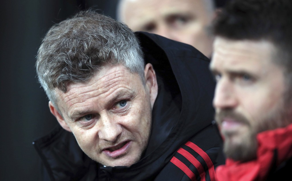 Alexis Sanchez took Man United boss Solskjaer's seat in Old Trafford dugout