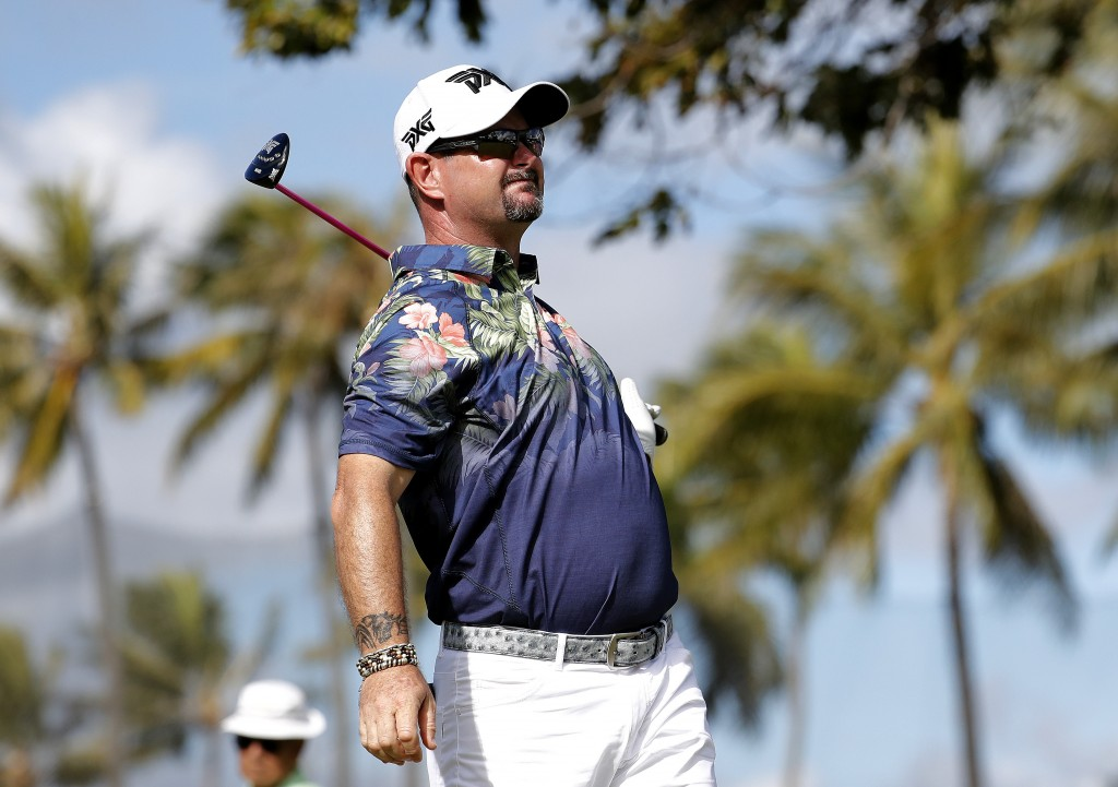Rory Sabbatini watches his shot from 10th tee during the first round of the Sony Open PGA Tour golf event, Thursday, Jan. 10, 2019, at the Waialae Cou...