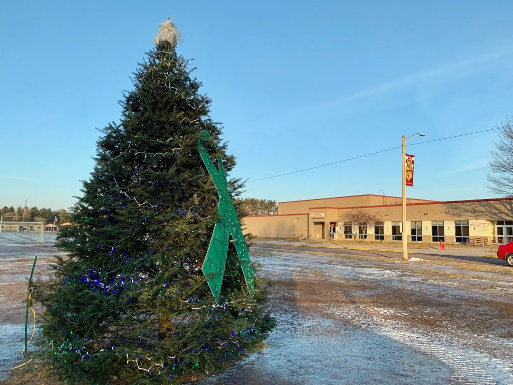 "A ""Tree of Hope"" for teenager Jayme Closs is seen outside her school, Riverview Middle School in Barron, Wis, on Friday, Jan. 11, 2019.   Closs disapp"
