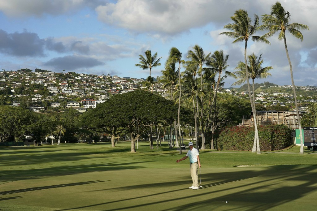 Andrew Putnam reacts to missing a birdie putt on the 16th green during the third round of the Sony Open PGA Tour golf event, Saturday, Jan. 12, 2019,