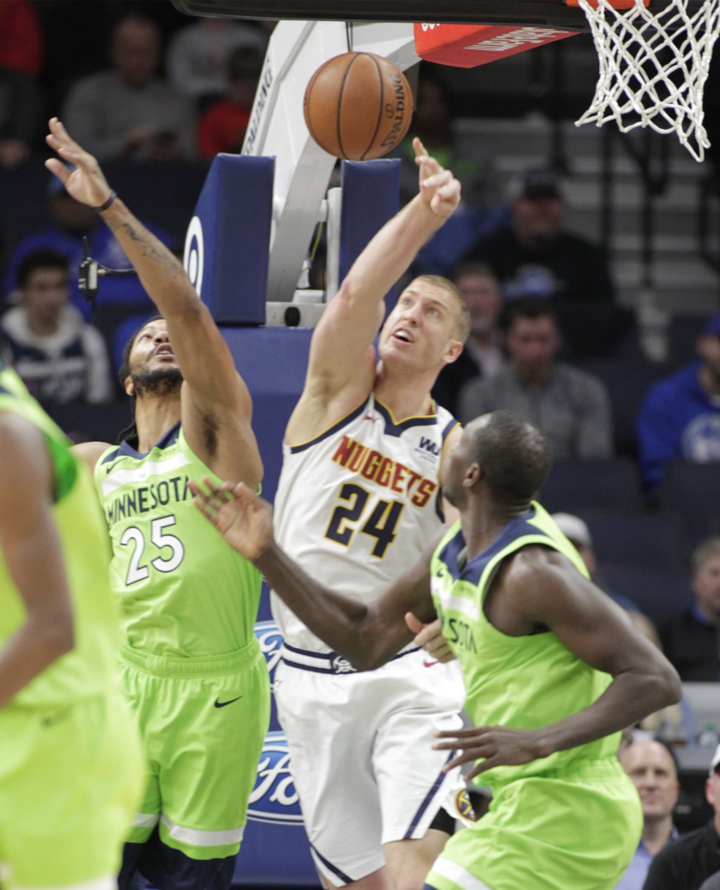 Jokic's Triple-double Helps Nuggets Beat Wolv...