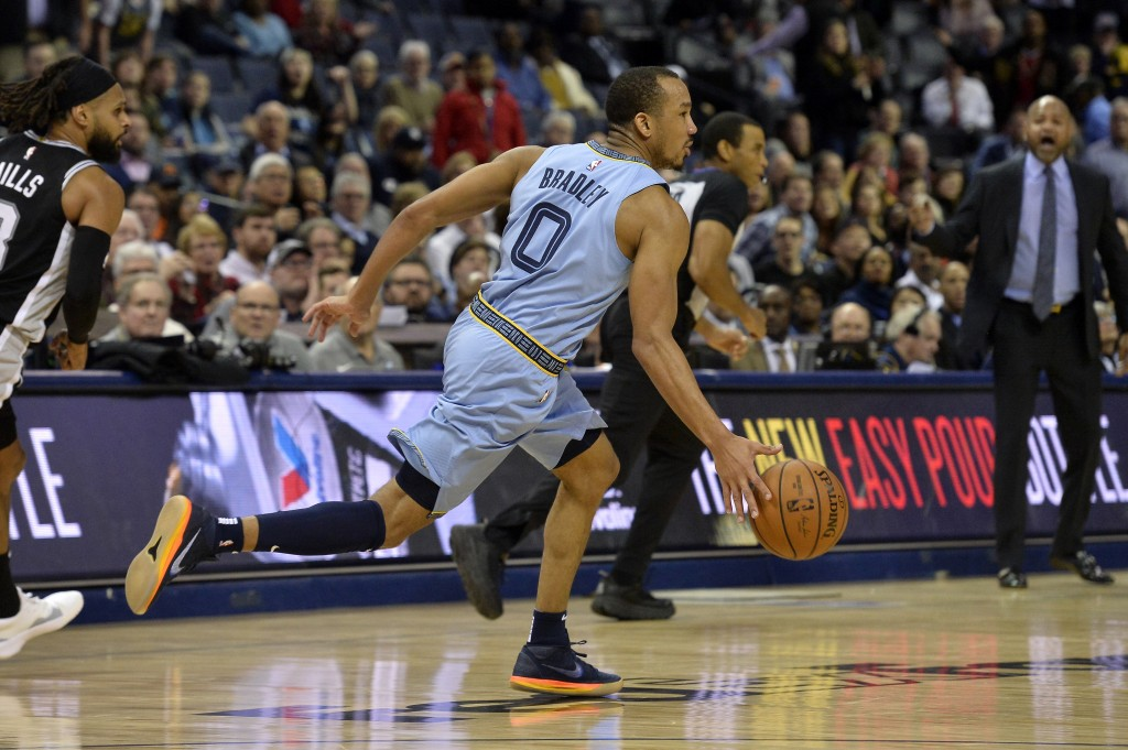 Memphis Grizzlies guard Avery Bradley (0) brings the ball up during the second half of the team's NBA basketball game against the San Antonio Spurs on...