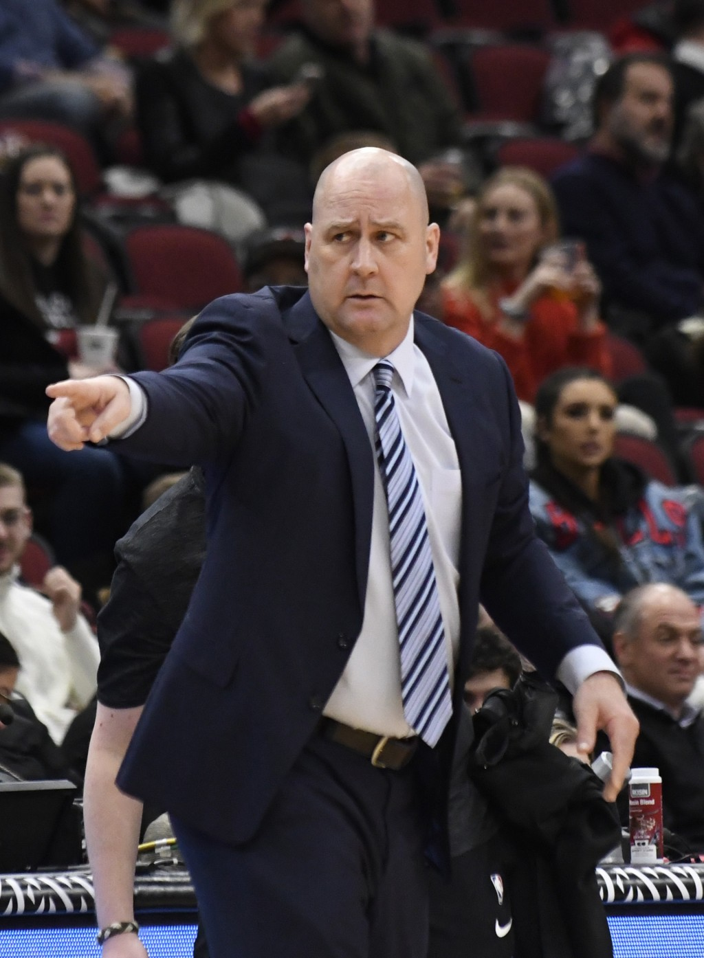 Chicago Bulls head coach Jim Boylen instructs his team during the first half of an NBA basketball game against the Memphis Grizzlies, Wednesday, Feb.