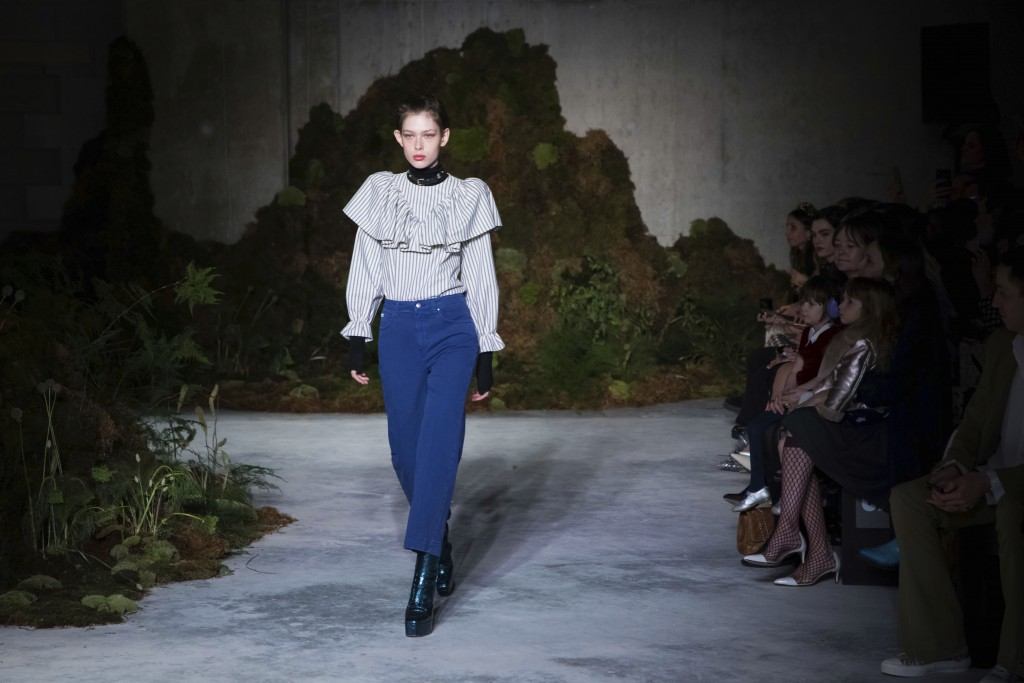 London Fashion Week Alexa Chung Shows Quirky Classics Taiwan News