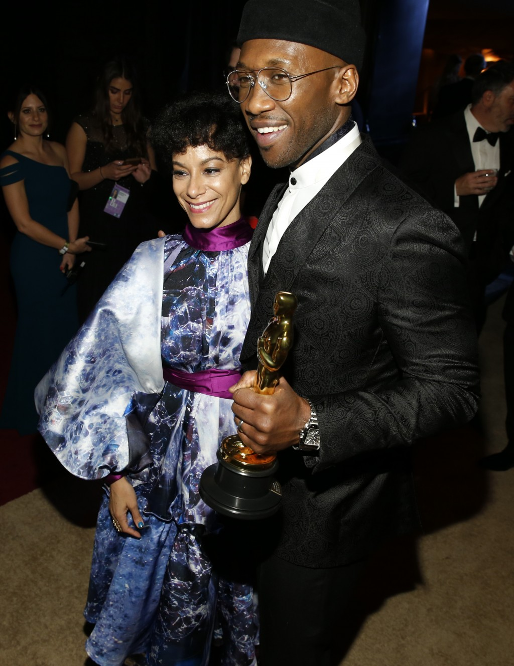 """Amatus Sami-Karim, left, and Mahershala Ali winner of the award for best performance by an actor in a supporting role for """"Green Book"""" at the Governor"""