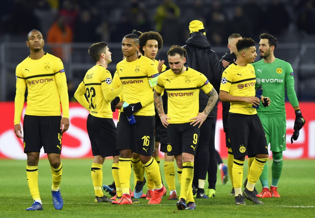 In 5 hours Borussia Dortmund coach Favre demands better from flat Sancho