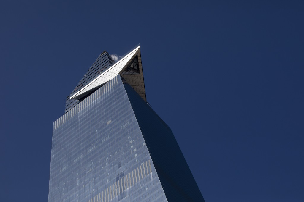 """This March 5, 2019 photo shows a triangular-shaped outdoor observation deck, named """"The Edge"""" at 30 Hudson Yards office building in New York. The deck"""