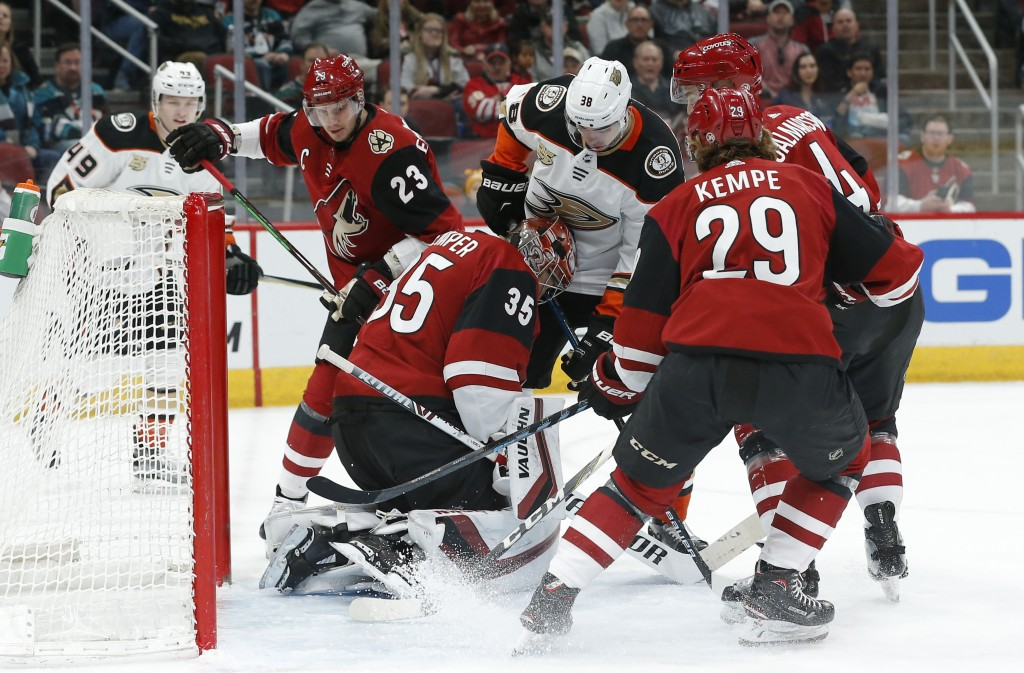 Anaheim Ducks center Derek Grant (38) tries to score against Arizona Coyotes goaltender Darcy Kuemper (35) in the first period during an NHL hockey ga