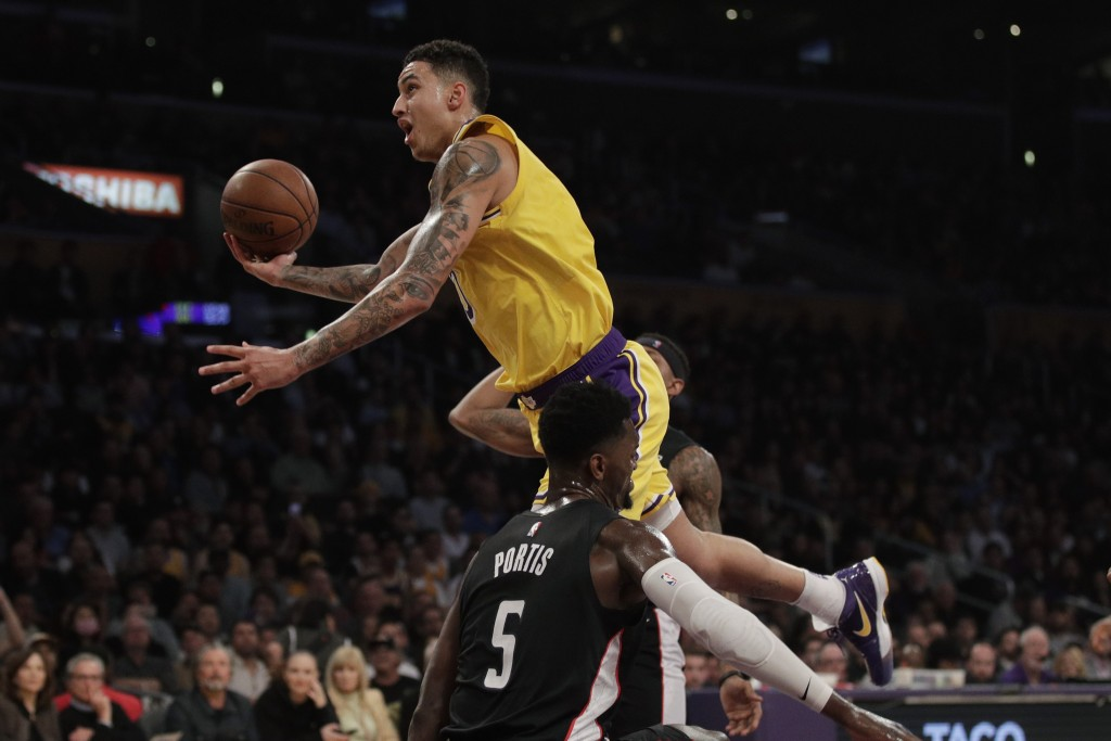 2a91c557b978 LeBron leads Lakers past Wiz 124-106 for back...