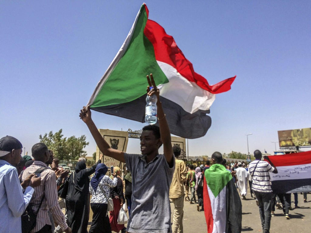 Sudan protests: soldiers intervene to protect demonstrators