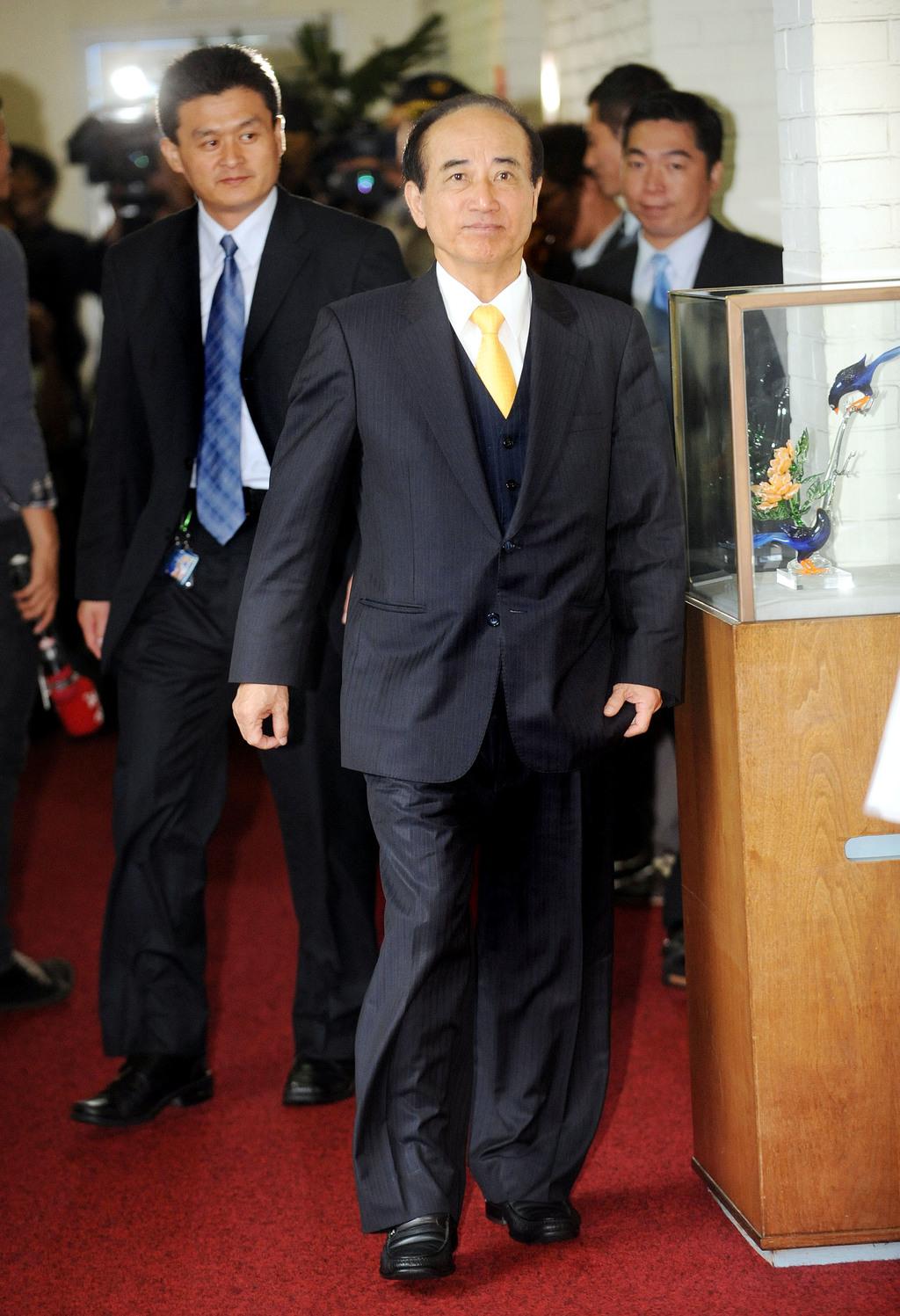 立法院長王金平16日對於自己可能列國民黨不分區立委名單第1名表示,感謝黨中央的看重,並肯定名單中幾位形象清新,照顧奉獻弱勢族群的人選表示肯