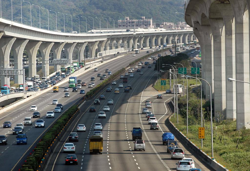 Freeway traffic breaks New Year's Day record in Taiwan