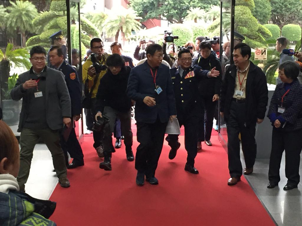Ko warns police against influence peddling