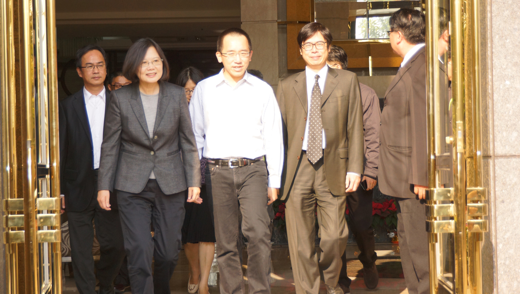 DPP group visits Chen Shui-bian on day 20 of parole