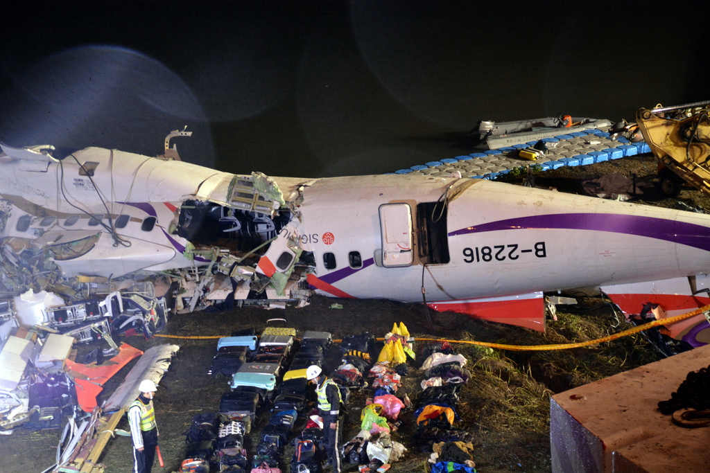 TransAsia air crash leaves 31 dead, 15 injured, 12 unaccounted for