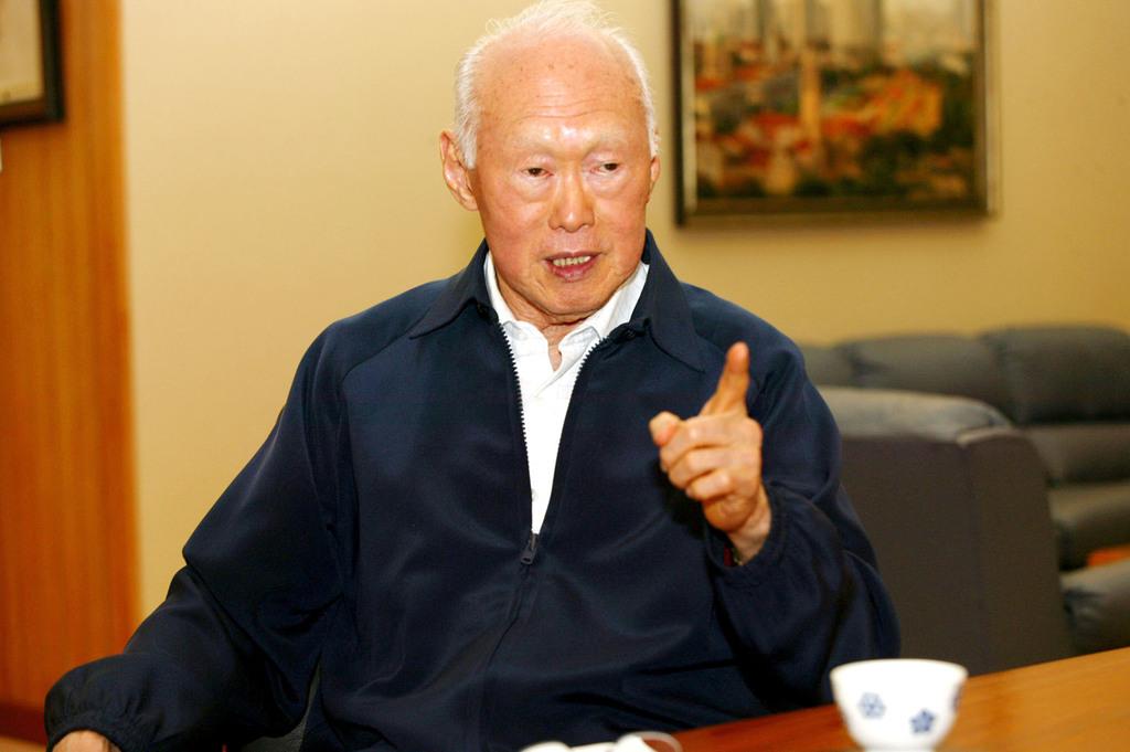 新加坡總理辦公署23日發布聲明,前總理李光耀(圖)於台北時間23日凌晨3時18分逝世,享壽91歲。(檔案照片)中央社 104年3月23日