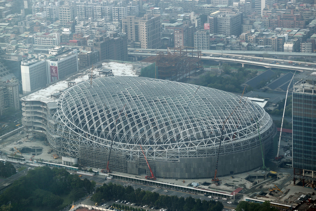 Farglory fined over Taipei Dome threat to chimney