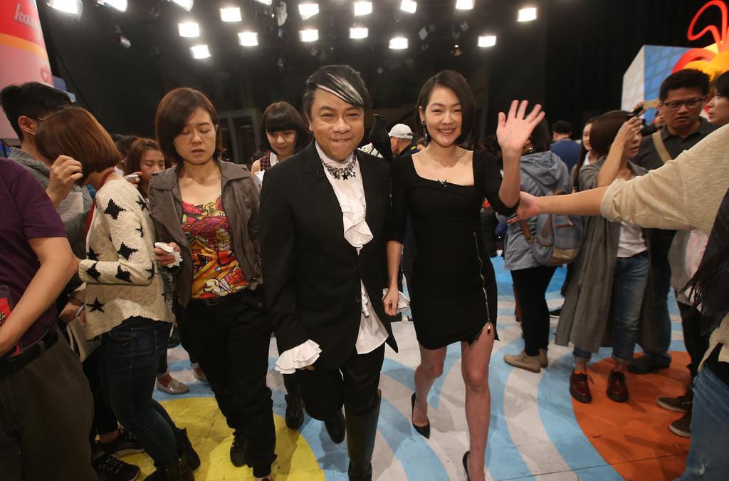 """A tearful farewell of """"Kangsi Coming"""""""