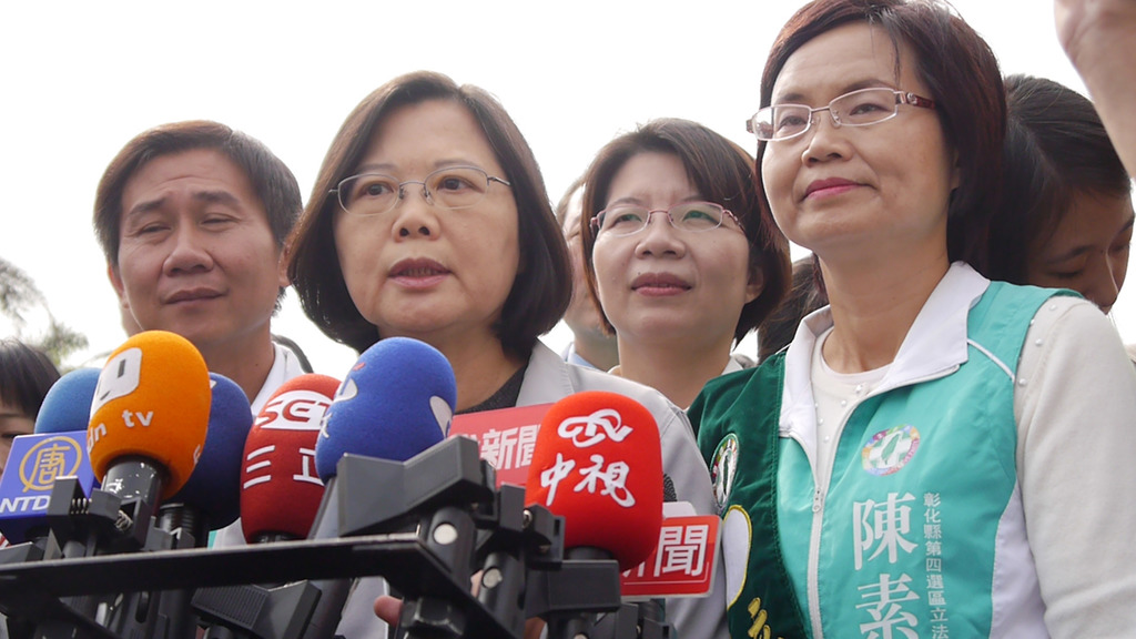 Tsai backs health insurance coverage for Chinese students