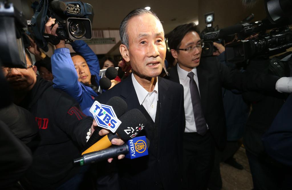Prosecutors question Farglory tycoon