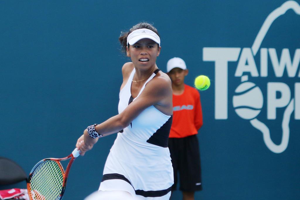 WTA台灣女網賽,單打僅存台將謝淑薇(如圖)12日以6比0、6比2橫掃俄羅斯選手庫里琪可娃(Elizaveta Kulichkova),挺