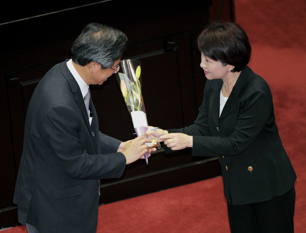 Premier Chang faces last day at Legislative Yuan