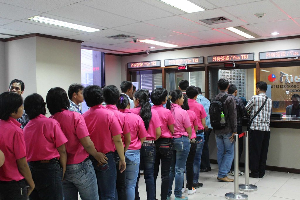 Taiwanese employers to pay placement costs for Indonesian migrant workers