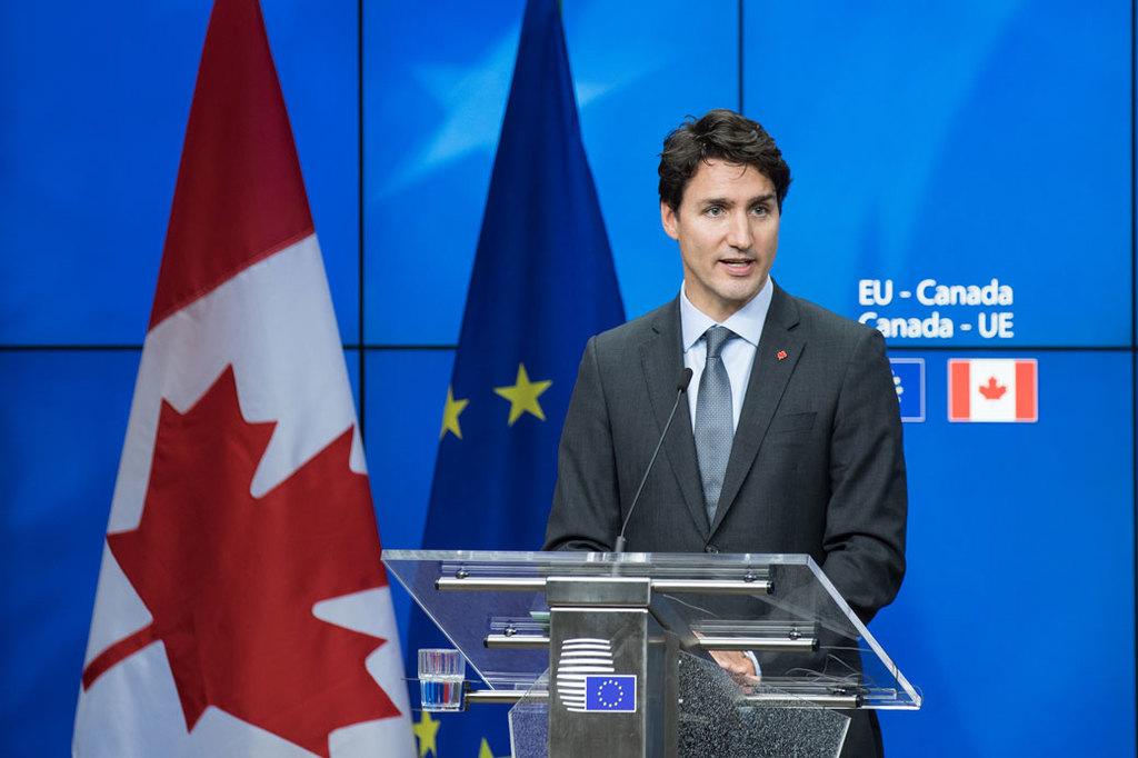 加拿大國會文件顯示,自由黨總理杜魯道政府去年底執 政以來,有逾萬件機密文件未獲妥善處理。圖為杜魯道 總理10月30日在布魯塞爾歐盟總部...