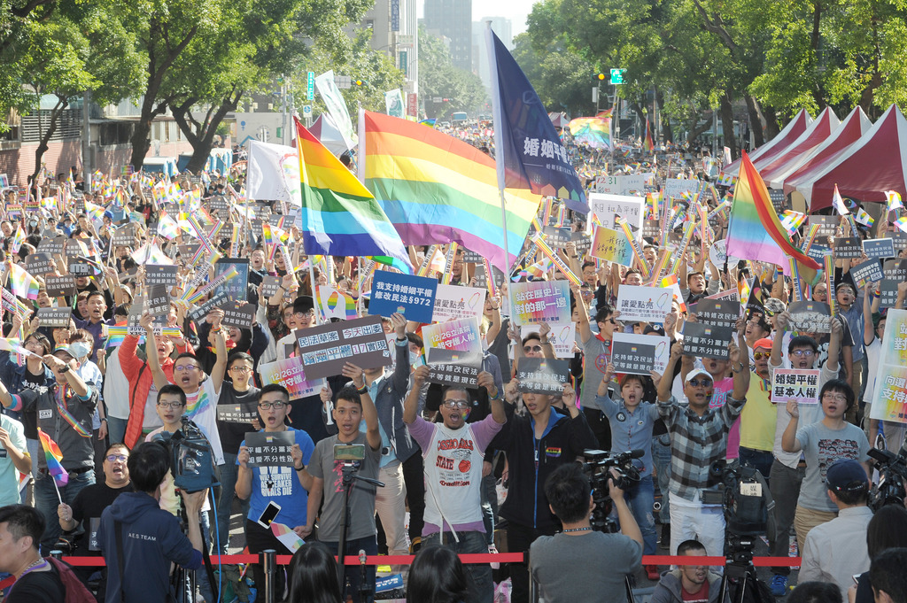 Supreme Court to decide on same-sex marriage Wednesday