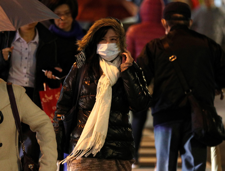 北台灣天氣今日明顯轉變,氣溫一路下滑,越晚越冷﹔今晚跨年夜到明天元旦清晨,是這波冷氣團威力最強的時候。