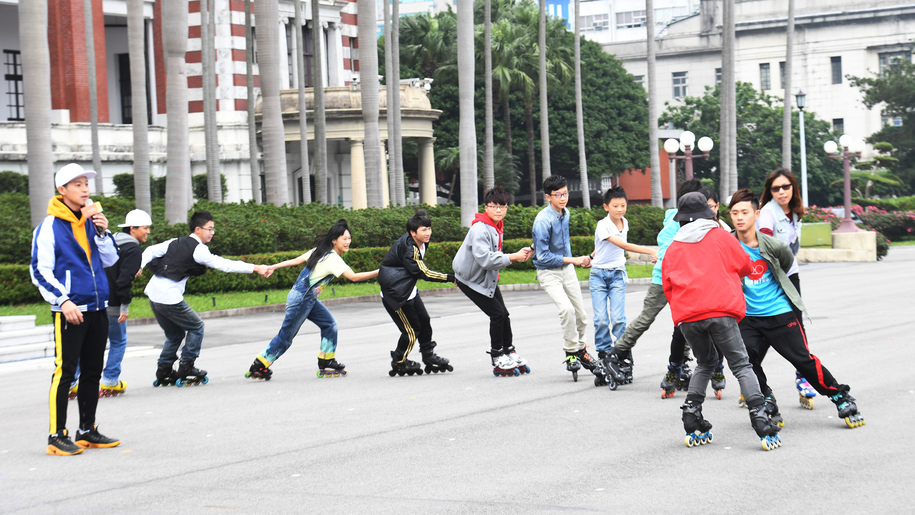 Roller skating show and charity market to follow New Year's flag-raising ceremony in Taipei
