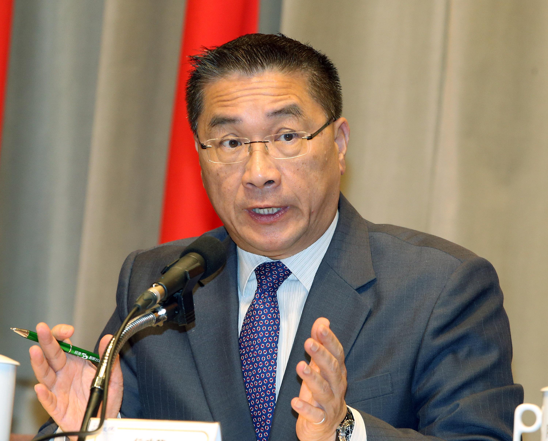 核四三年的封存期將在106年年底到期,行政院發言人 徐國勇(圖)28日出席行政院會後記者會表示,「核四 絕對不可能啟動」,2025年要