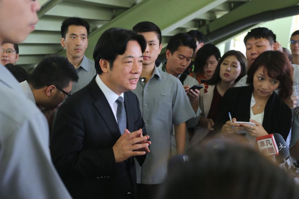 行政院長賴清德(前左)31日出席活動