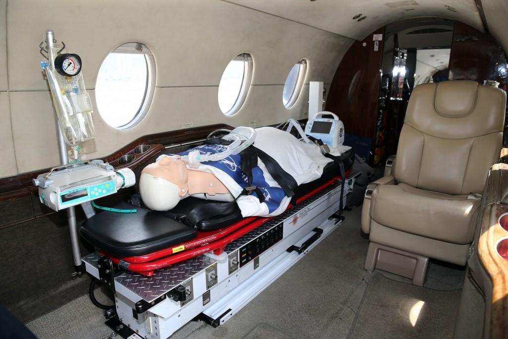 澎湖、金門及馬祖3離島駐地救護航空器8日正式啟用, 金門部分將由型號為Hawker 400XP的噴射機進駐,機上 配備各式急救、維生設施,