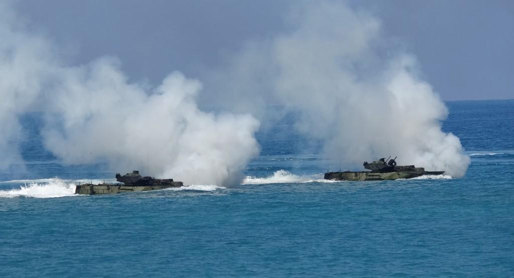 澳洲巡防艦與英國航空母艦,將參與印太地區的跨國軍事演習。(中央社檔案圖片)
