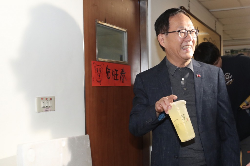 Ting Shou-chung (pictured) demanded a recount after independent candidate Ko was reelected