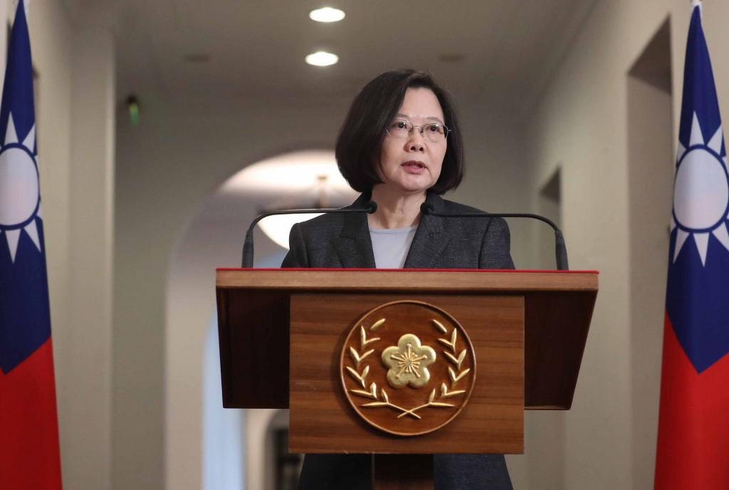 總統蔡英文11日在總統府進行「迴廊談話」,對於吳寶春事件,蔡總統表示,台灣人都懂這是政治壓迫,這樣做法台灣人不會接受(照片來源:中央社提供