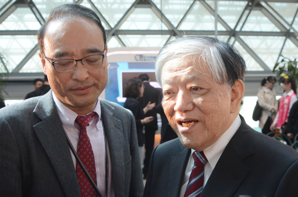 I-Mei Foods CEO Luis Ko (right).